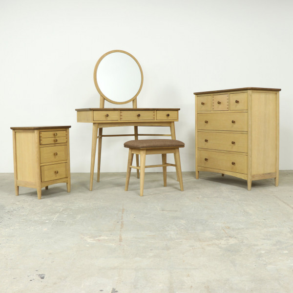 Island Dressing Table and Mirror