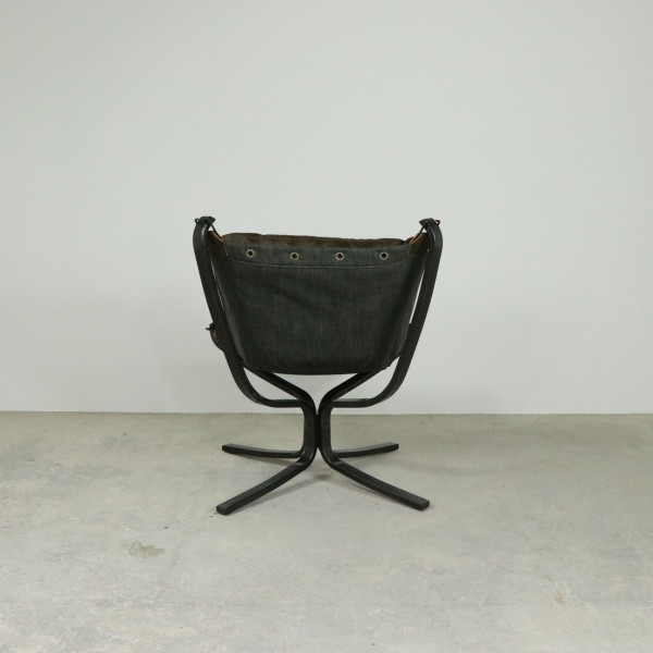 Whiskey Buttoned Suspend Chair