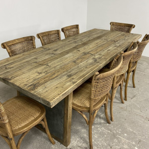 Oyster Dining Set