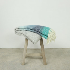 Ombre Throw Seaside Blue
