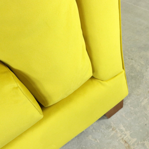 Lounge Loveseat in Buttercup