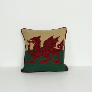 """18"""" x 18"""" Welsh Flag Cushion"""